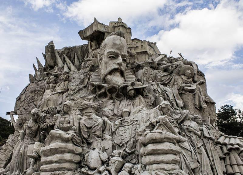 Monumento a Cervantes en Guanajuato