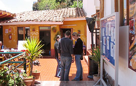 Het dakterras van de school in Cuzco