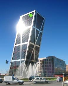 De grote Torres Kio in hartje Madrid
