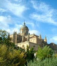 De Kathedraal aan het einde van de Rúa Mayor