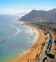 Het mooie strand de las Teresitas van Tenerife
